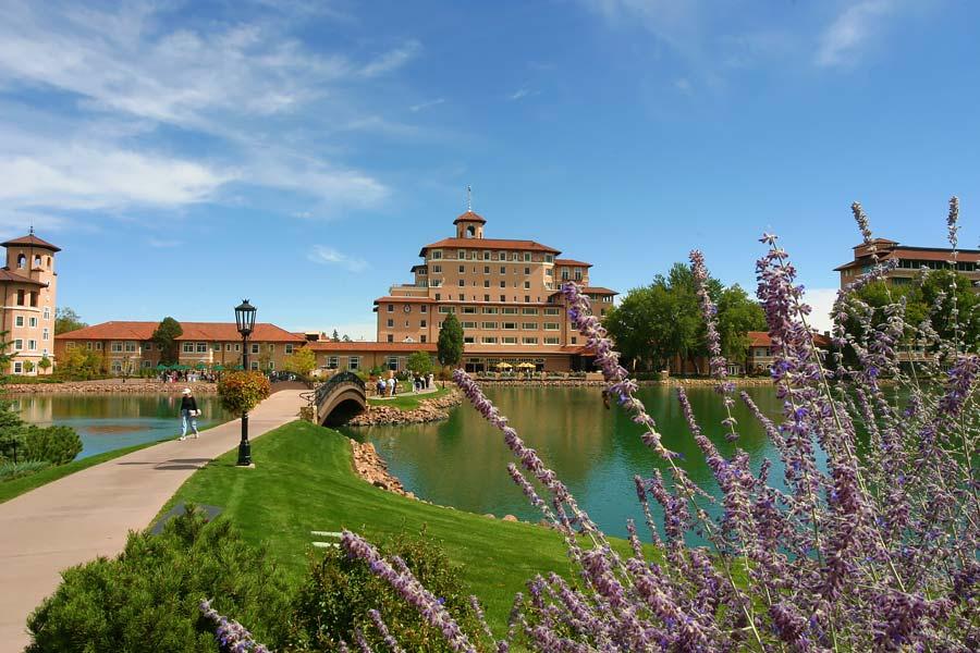 upscale broadmoor homes colorado springs historic district